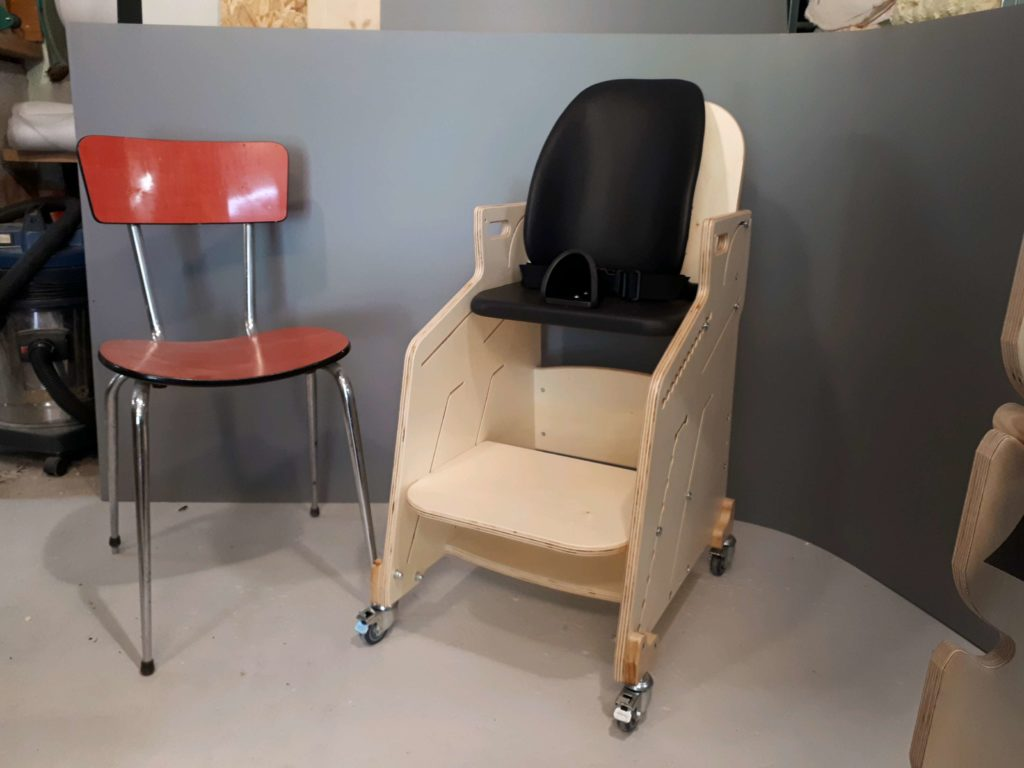 Aménagement Bureau Pour Handicapé : Sièges fauteuils et tables pour lenfant handicapé depuis 2001