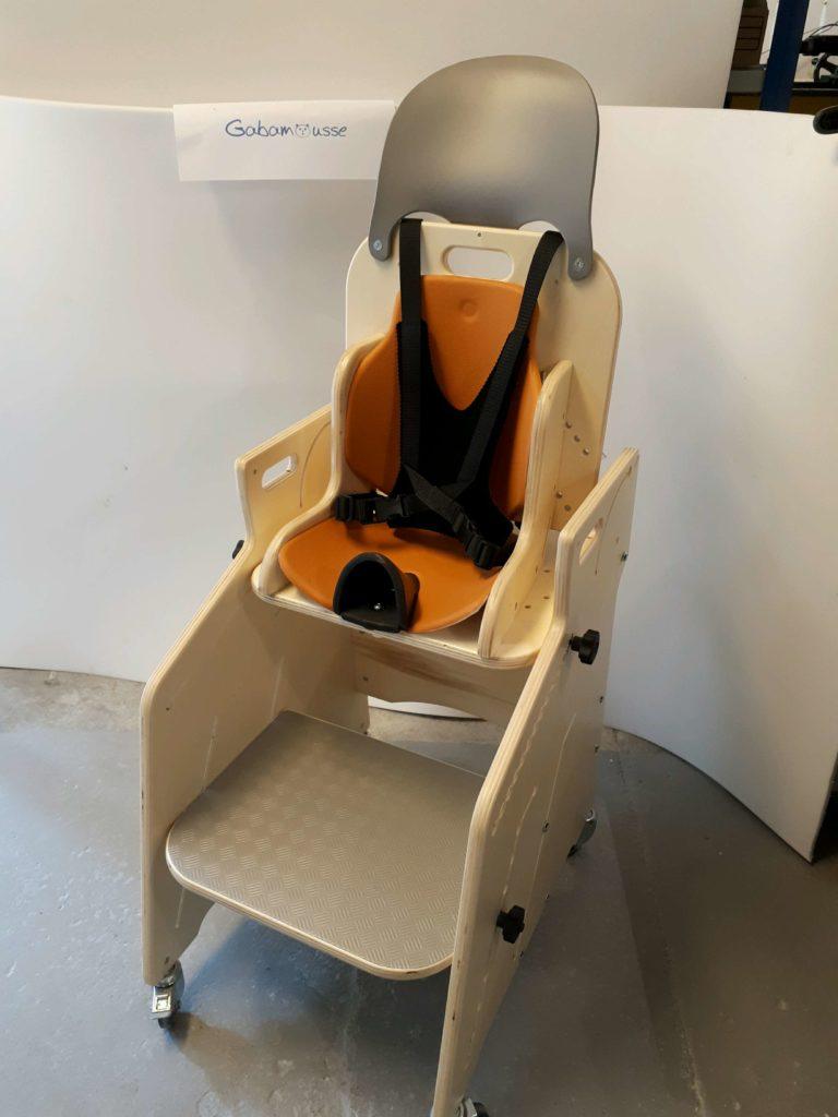 fauteuil pour tous si ge d activit s et de repas pour l. Black Bedroom Furniture Sets. Home Design Ideas