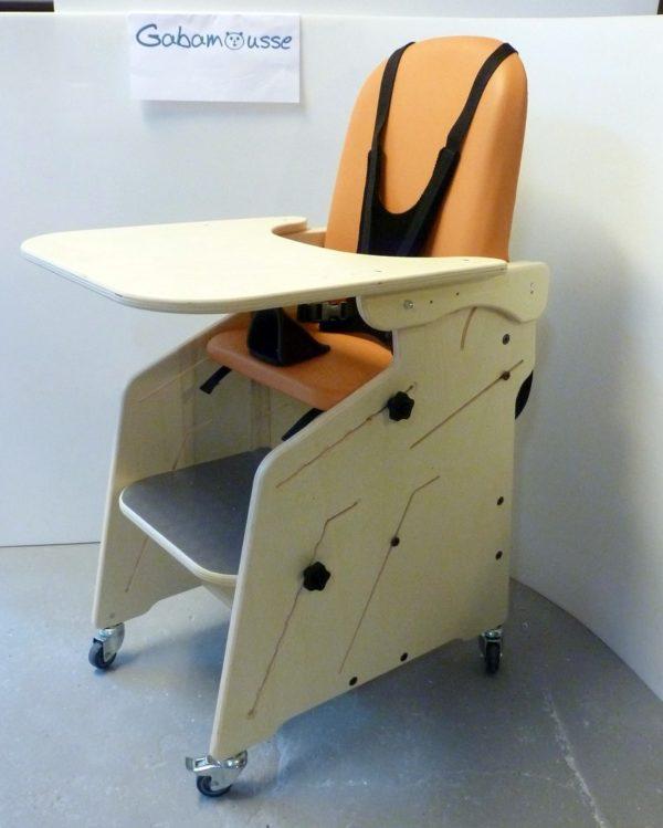 Fauteuil-pour-tous-Siège-d'activités-et-de-repas-pour-l'installation-à-la-table-de-lenfant-handicapé-13.JPG