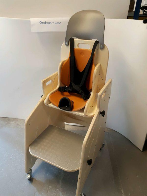 Fauteuil-pour-tous-Siège-d'activités-et-de-repas-pour-l'installation-à-la-table-de-lenfant-handicapé-2
