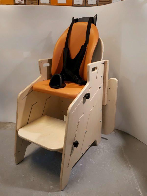 Fauteuil-pour-tous-Siège-d'activités-et-de-repas-pour-l'installation-à-la-table-de-lenfant-handicapé-3