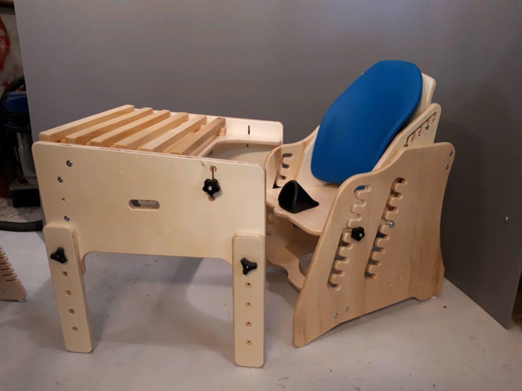 Le bureau de jules ans gabamousse mobilier adapté pour